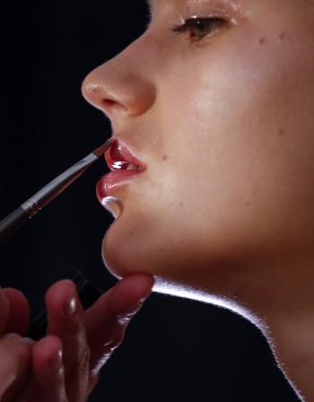 Какво е характерно за кожата на устните?