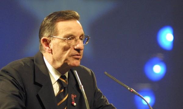 Отиде си Йордан Соколов! Депутатите сведоха глава