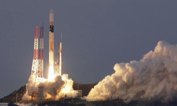 Частна ракета излита тази вечер в Космоса