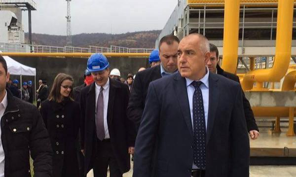 Борисов предлага: Мигрантите да минават само през КПП