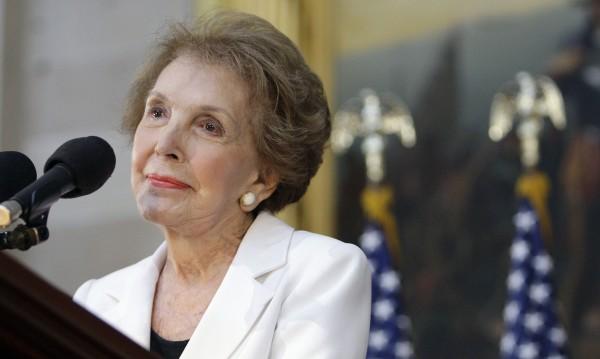 Отиде си Нанси Рейгън на 94 години