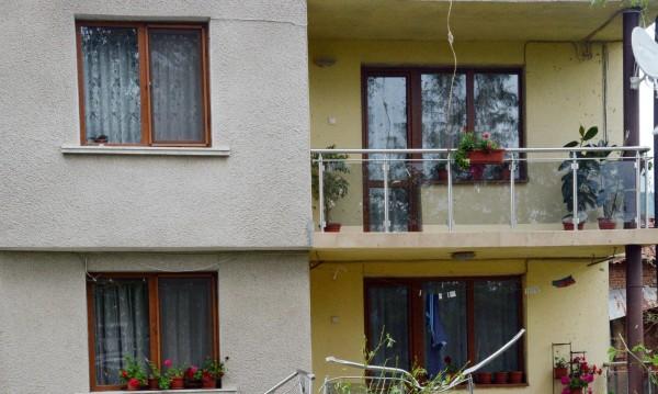 Кметът на Мъглиж дава къщи на работещи социалнослаби