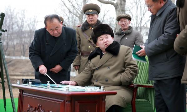 Студент от САЩ ще лежи 15 г. в Северна Корея