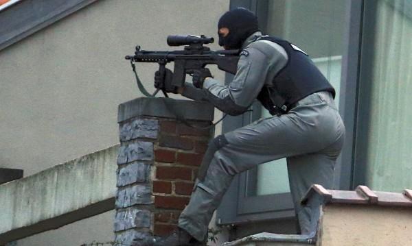 Джихадисти готвят нови атаки в Европа, идват с мигрантите