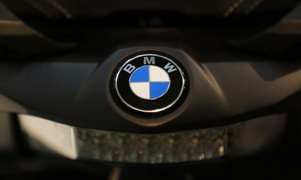 BMW обяви интеграция на колите си с Android