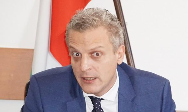 Москов: Неизвестни от НЗОК орязали с 60% клиничните пътеки!