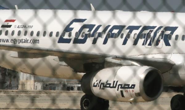 Освободени са почти всички от отвлечения самолет
