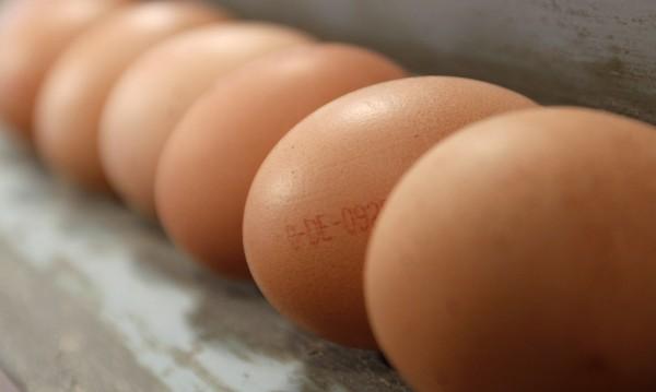 Трапезата по Великден – салата от Гърция, яйца от Франция...