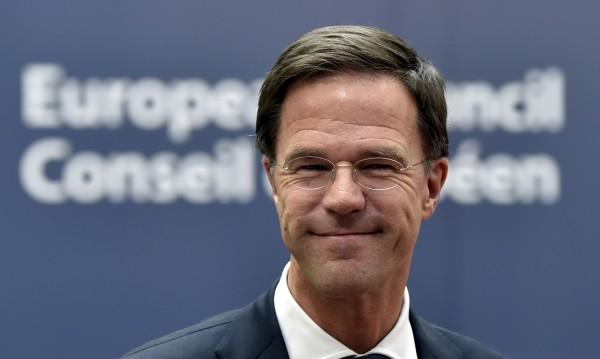 Премиерът на Холандия: Рано е за Украйна в ЕС