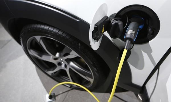 Холандия също спира колите на бензин и дизел