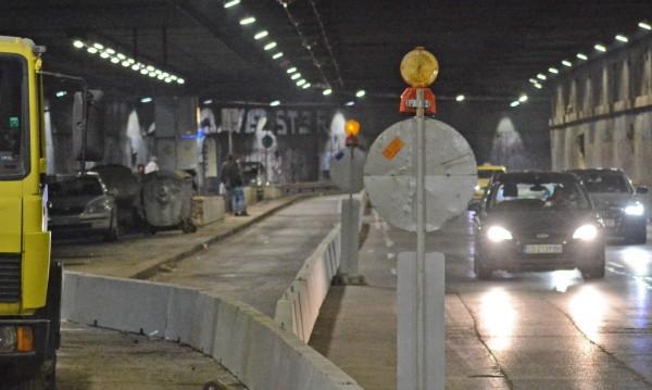 Временно закриват спирката на тролеите в подлеза на НДК