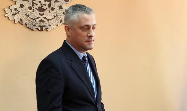 """Синдикатите в """"Булгартабак"""" искат оставката на Лукарски"""