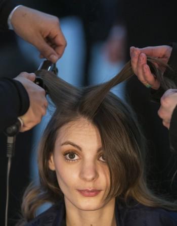 Как правилно да сресваме косата?