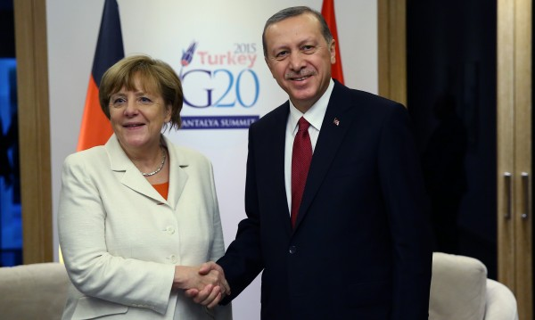 Обременените отношения между Европа и Турция