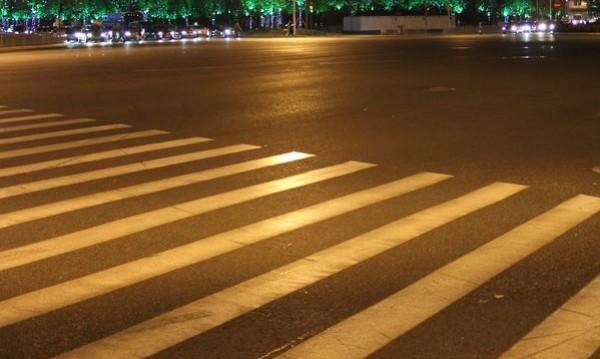 Такси блъсна 15-годишно на пешеходна пътека в София