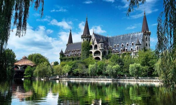 Замъкът в Равадиново – №1 атракция за туристи в света