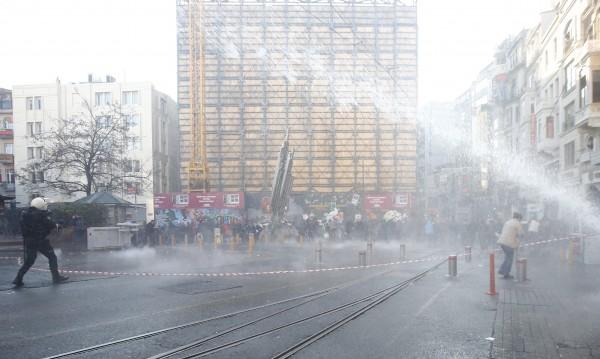 """Турция забранява честването на Първи май на """"Таксим"""""""