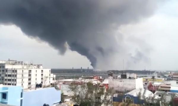 Загинали и ранени при взрив в нефтохимически завод в Мексико