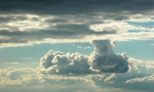 Облаци, дъжд и тихо време ни чака утре