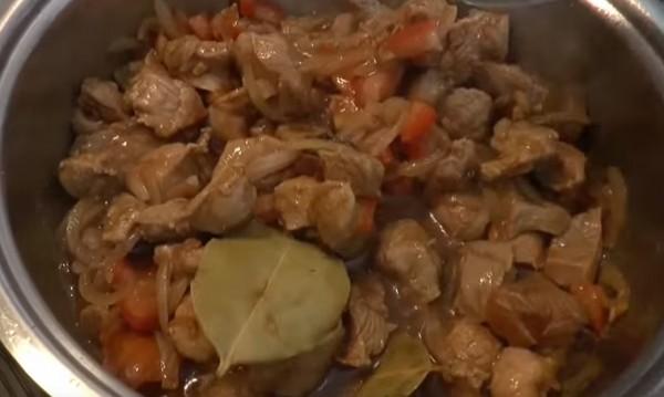 Рецептата Dnes: Агнешко със сушени плодове