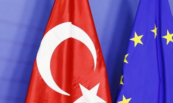 ЕС сваля визите на Турция на кредит