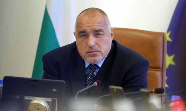 Борисов доволен: Спестил пари, дал ги за пътища