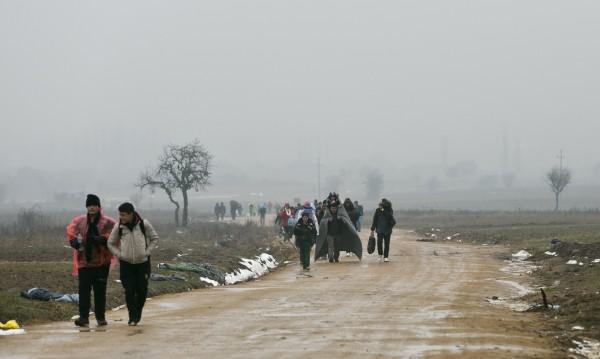 Информираме и бежанците за трафика на хора