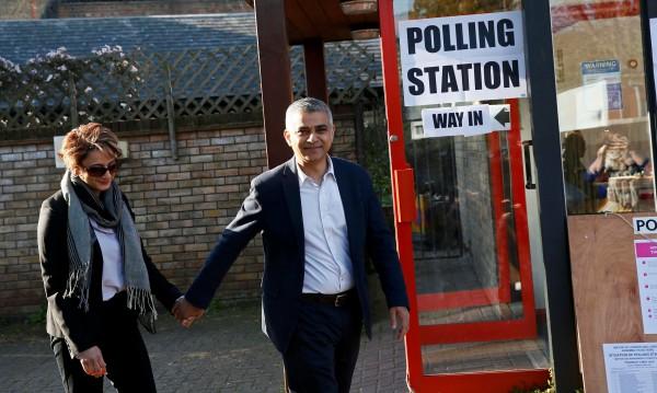 Мюсюлманинът Хан стана новият кмет на Лондон