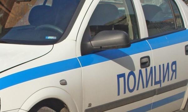 Крадец нападна и обра жена пред дома й в Русе
