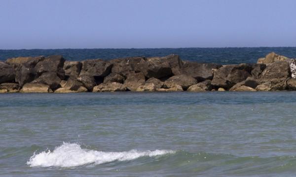 Откриха предмети и монети на 1600 г. в морето край Израел