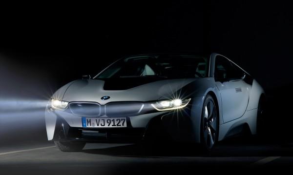 До 5 години: BMW пуска конкурент на Tesla