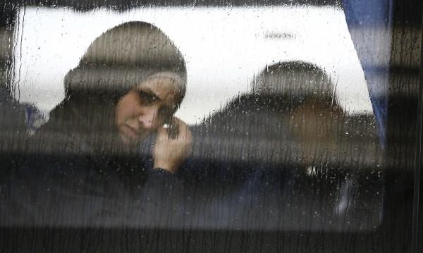 Депортират жена от ОАЕ, чела SMS-ите на мъжа си