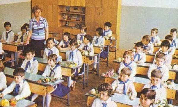 Производство по калъп – моделът на българското образование