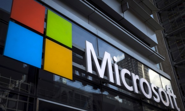 Facebook и Microsoft опъват кабел през Атлантика