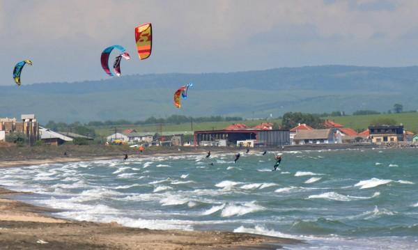 Юни: В София – дъжд и хлад, на морето – за плаж!
