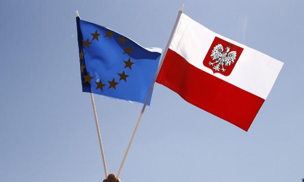 Брюксел затяга примката на Полша