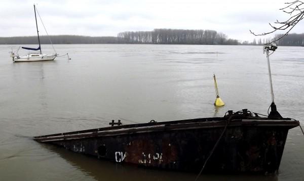 Момиче изчезва във водите на Дунав край Силистра