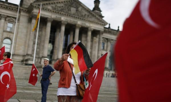 Турция към Германия: Това е историческа грешка!
