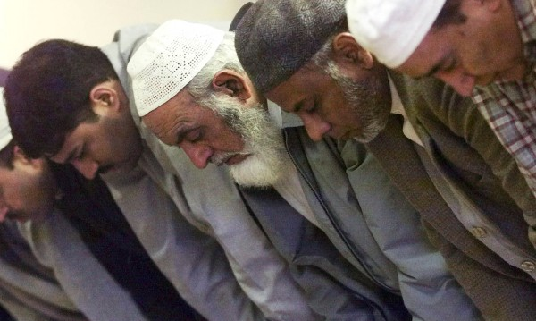 Шотландски джамии канят на гости... Тръмп