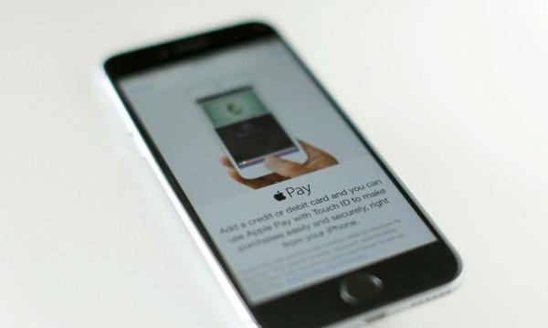 Siri ли ще помогне на Apple за продажбите?