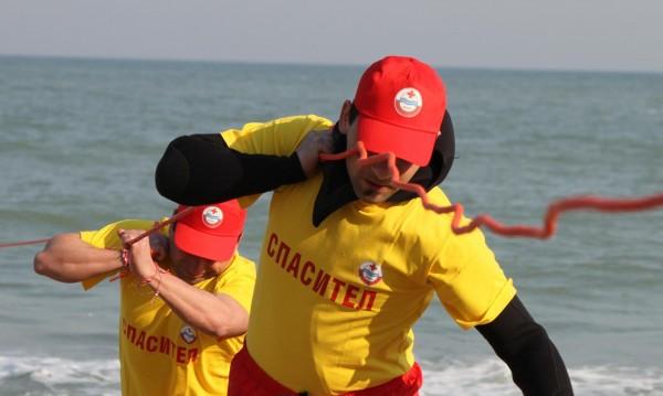 33 спасителни поста ще пазят туристите в Албена