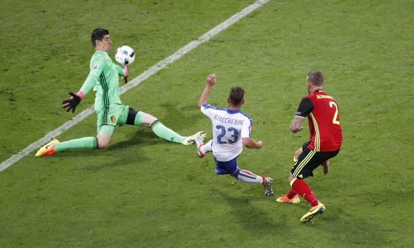 Италия взе голямото дерби с Белгия