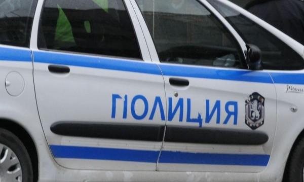 """Жена в болница, трима в ареста след бой в """"Орландовци"""""""