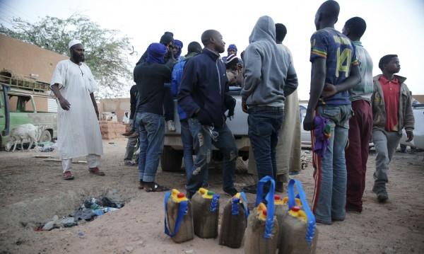 Телата на 34 мигранти бяха открити в Сахара