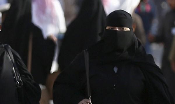 Мюфтийството се възмути: Как ще ни забранявате бурките?