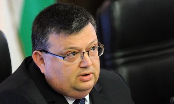 Цацаров обяви: Още двама обвиняеми заради Митьо Очите