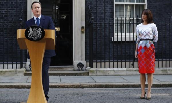 Оставката на отложен старт на Камерън - скандална
