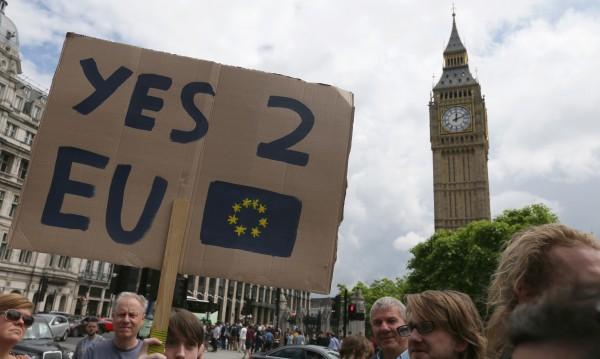 Вече над 1 млн. британци искат втори референдум