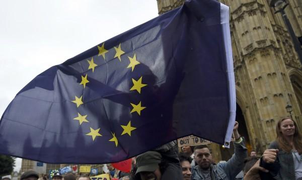 S&P резна рейтинга на Европейския съюз