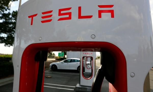 Tesla ускорява производството